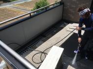 ベランダの防水シート洗浄写真2